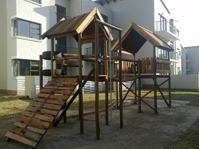 wooden-jungle-gym-hide-away-2.jpg
