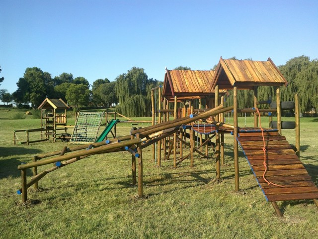 wooden-jungle-gym-malongane-4.jpg